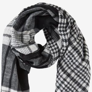 NEW Express Reversible Blanket Scarf